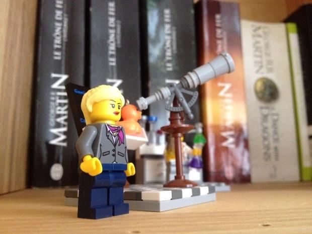 Je collectionne les livres, mais également les Lego mignons (et féministes pour ce set) (le fiancé a déteint sur moi)