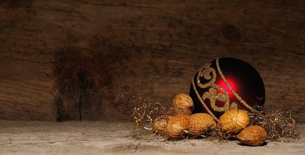 christmas-ornament-545139_1280